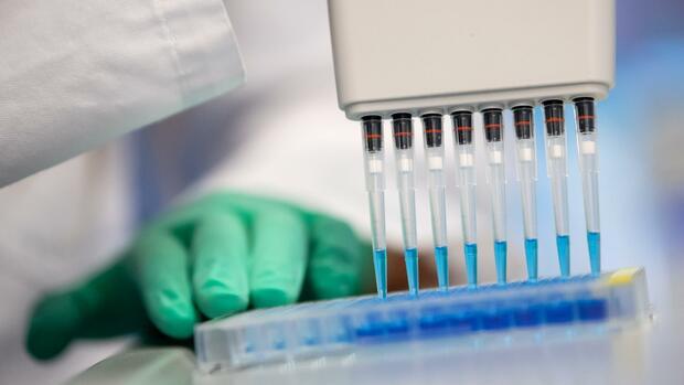 Coronakrise: Pharmaindustrie sucht intensiv nach Covid-19-Therapien – Doch es gibt ein großes Problem