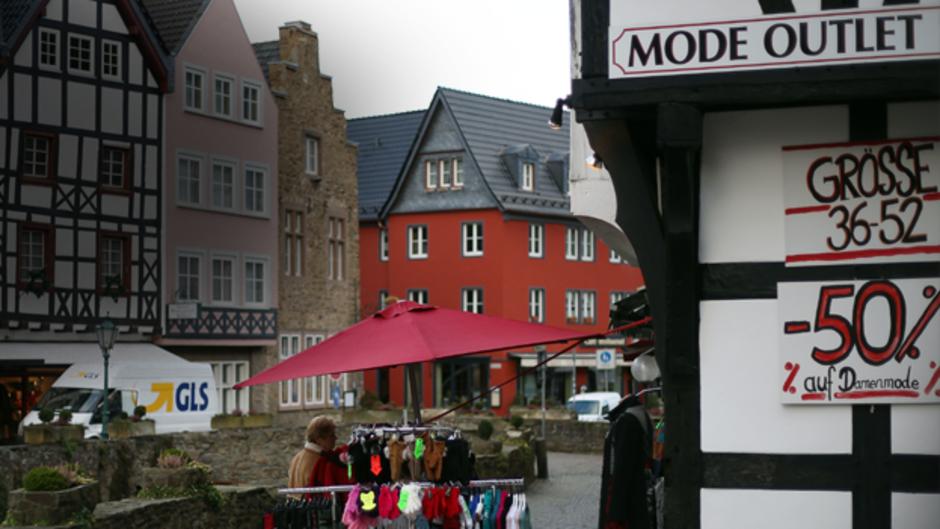 schönes Design neueste trends bis zu 60% sparen Bad Münstereifel: Wenn die Innenstadt zum Outlet wird