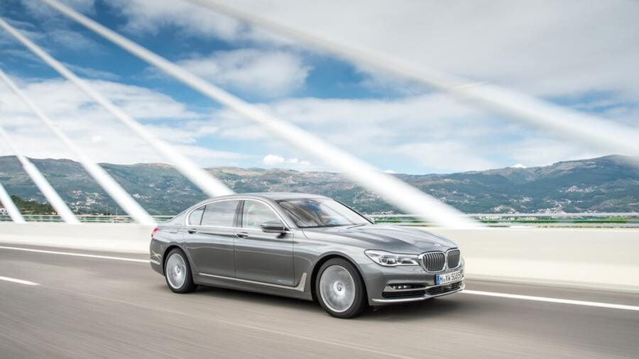 BMW 750d xDrive - Vierfache Puste Quelle: BMW