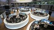 Dax aktuell: Schwächerer Euro lässt Dax ins Plus drehen