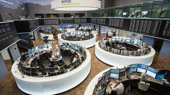 Dax steuert auf 13.000 Punkte zu - Commerzbank-Aktie gefragt - Airbus schwach