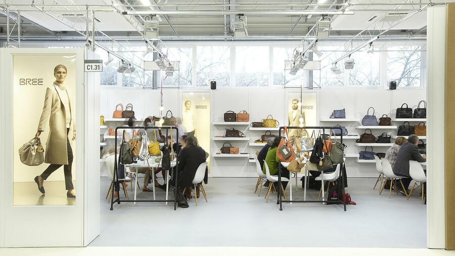 Freiraum suchen Vereinigte Staaten populärer Stil Der Handtaschenhersteller Bree kooperiert mit Continental