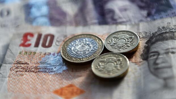 Devisen: Düstere Aussichten für das Pfund
