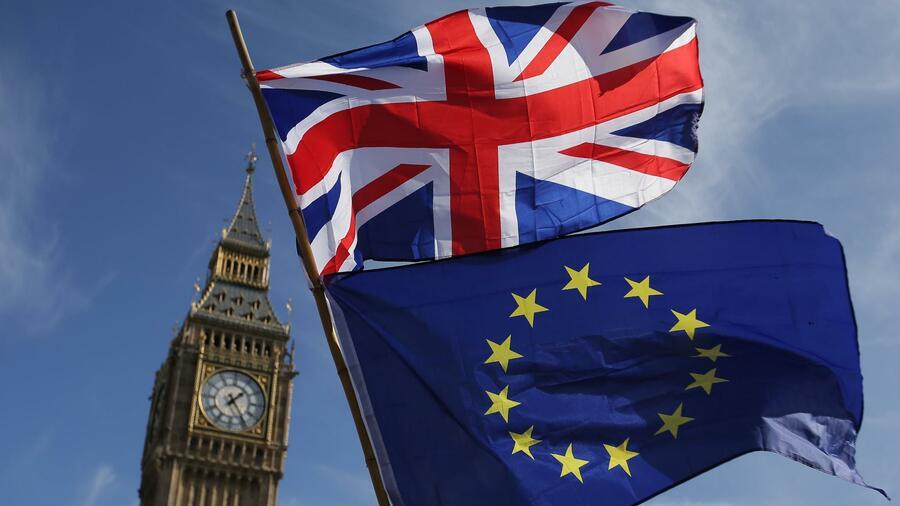 Nächste Niederlage für May:Brexit-Minister Raab schmeißt hin