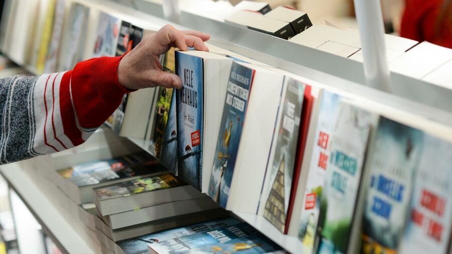 Buchmarkt geschrumpft - Branche will Kunden stärker umwerben