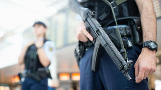 polizisten die prügelknaben der nation