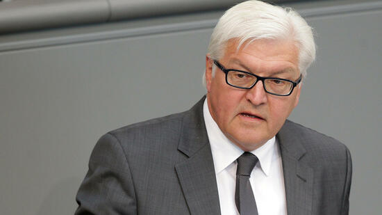 frank walter steinmeier der regierung wachsen die einfachsten dinge ber den kopf. Black Bedroom Furniture Sets. Home Design Ideas