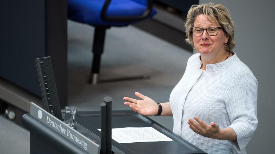 Abgas-Affäre: Bund dringt bei Daimler auf Klärung