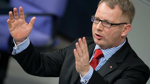 Der SPD-Abgeordnete Johannes Kahrs: Als Chefhaushälter seiner Fraktion auch Gegenspieler von Finanzminister Schäuble. Quelle: dpa