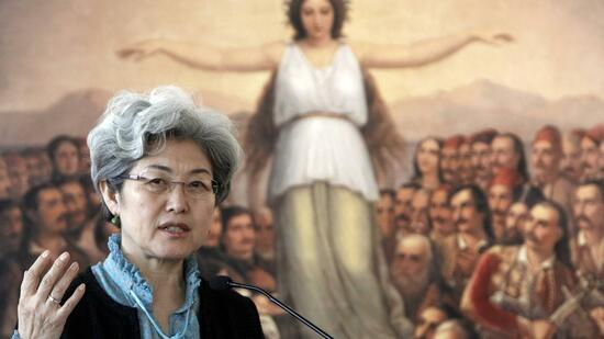 huGO-BildID: 21391581 China's Deputy Foreign Minister Fu Ying addresses reporters during a news conference in Athens March 24, 2011. REUTERS/John Kolesidis (GREECE - Tags: POLITICS) Quelle: Reuters