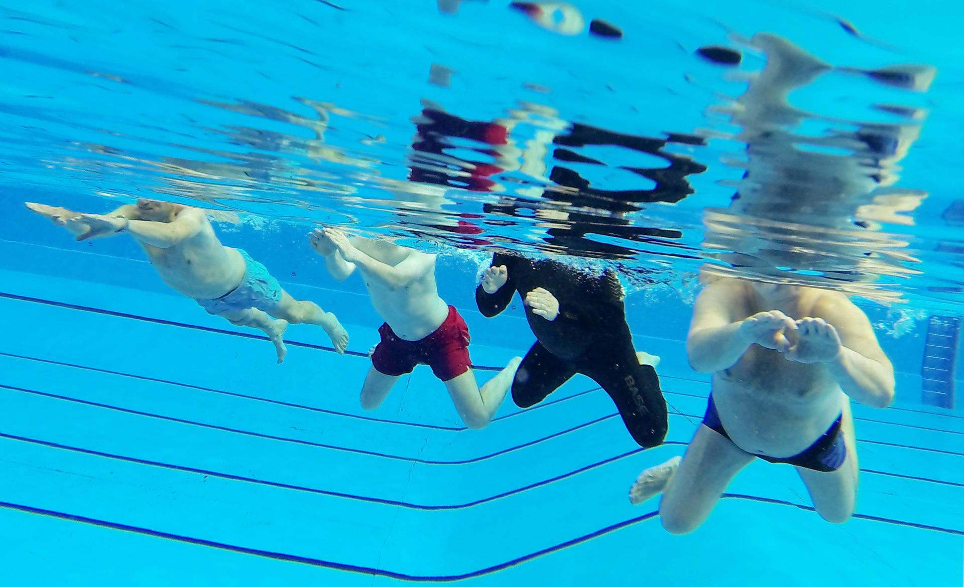 Schwimmender Pool Chemischer F/ür Chlorspender Chlorschwimmer Mit Verschlusskappe Goodde Chlor Dosierschwimmer Premium Floater Chlortablettenverteiler F/ür 1-Zoll-Chlortabletten