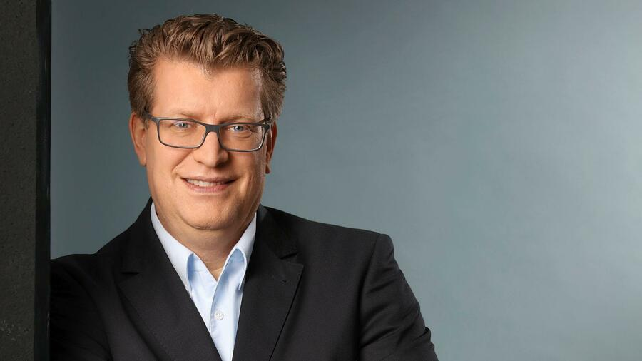new images of run shoes factory outlet Christian Busch – Moderator des Wandels bei Walbusch