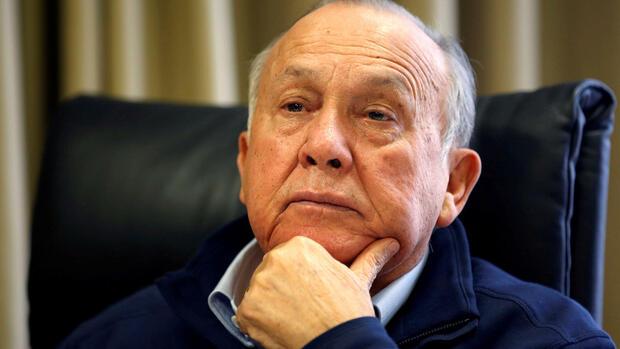Möbelriese Steinhoff - Hauptaktionär Wiese nimmt seinen Hut