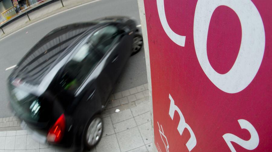 CO2-Ausstoß: Werden sparsamere Automotoren auch umweltfreundlicher?