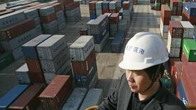 Containerhafen am Jangtse in Wuhan: China will den Warenimport weiter stimulieren. Quelle: dpa