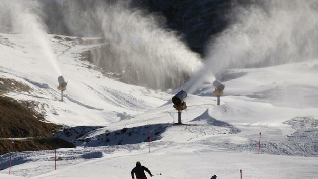 Lebensstil & Freizeit: Österreich und Schweiz wollen Skifahren erlauben