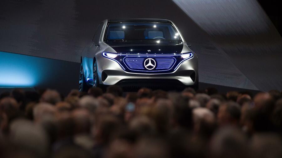 Daimler senkt Prognose: Handelskonflikte und Dieselaffäre belasten