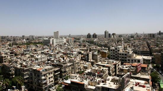 Die Lage in der syrischen Hauptstadt Damaskus scheint entspannt. Doch nur wenige Kilometer entfernt tobt der Bürgerkrieg. Quelle: dpa