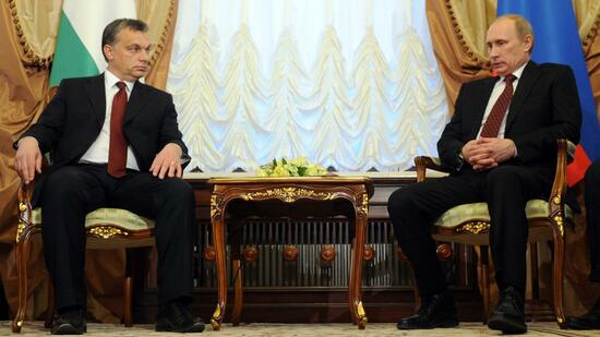 Viktor Orban (rechts) und Wladimir Putin (Archivbild) verstehen sich gut. Quelle: AFP