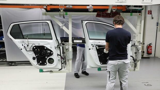 Coronakrise: Kaufzuschuss für Neufahrzeuge: Autoindustrie drängt auf staatliche Unterstützung