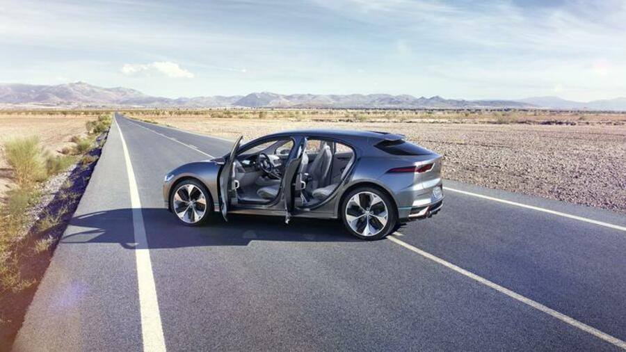 neues e auto kommt 2018 so fordert jaguar bald tesla heraus. Black Bedroom Furniture Sets. Home Design Ideas