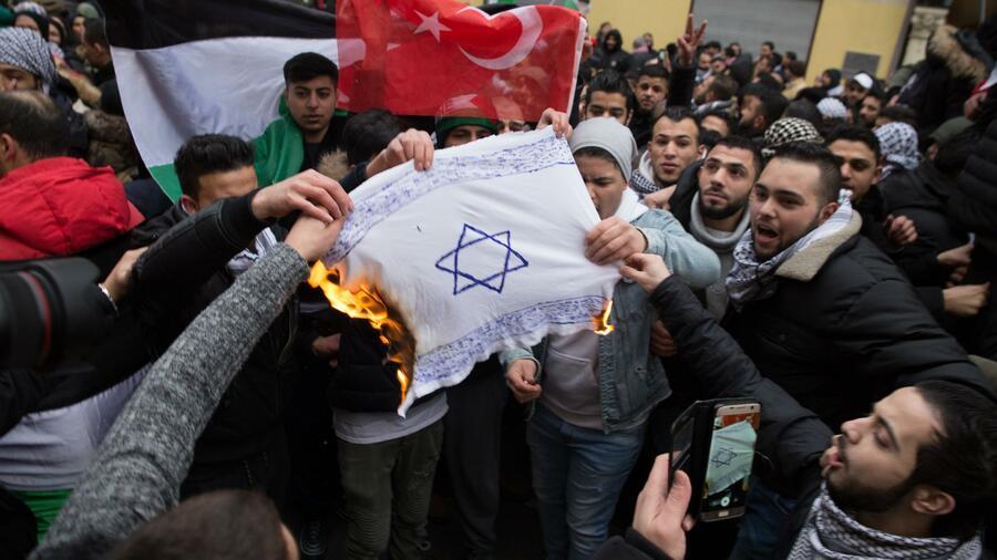 Vier antisemitische Straftaten pro Tag