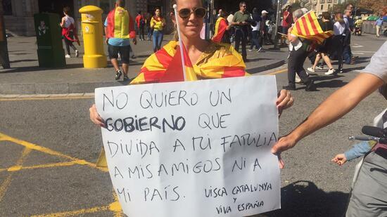 Proteste gegen Unabhängigkeit Kataloniens in Barcelona