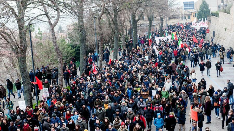 Nach Schüssen auf Migranten soll Antirassismus-Demo in Italien doch stattfinden