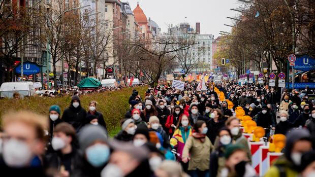 Wohnungspolitik-Berlin-will-Mietern-nach-Urteil-zum-Mietendeckel-finanziell-aushelfen