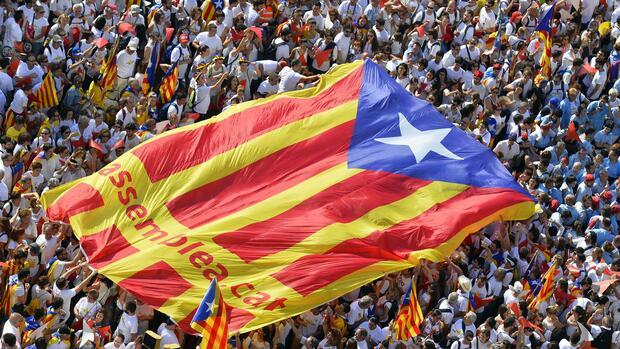 Referendum in katalonien madrid wird gesetz anfechten - Ka international madrid ...