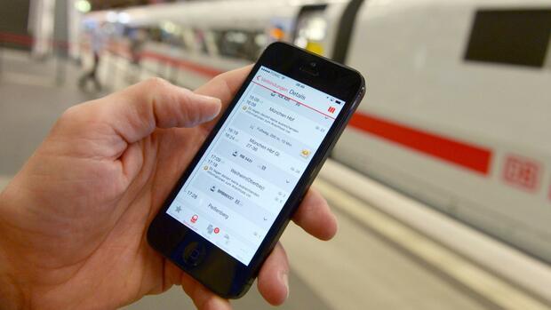 Deutsche Bahn: Bahnfahrer kaufen Tickets zunehmend mobil