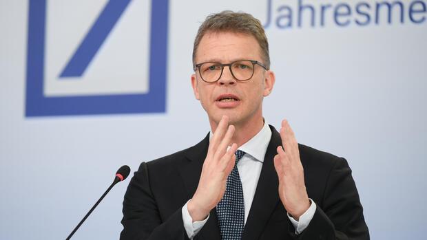 Eckdaten: Deutsche Bank überrascht mit einem Gewinn im ersten Quartal