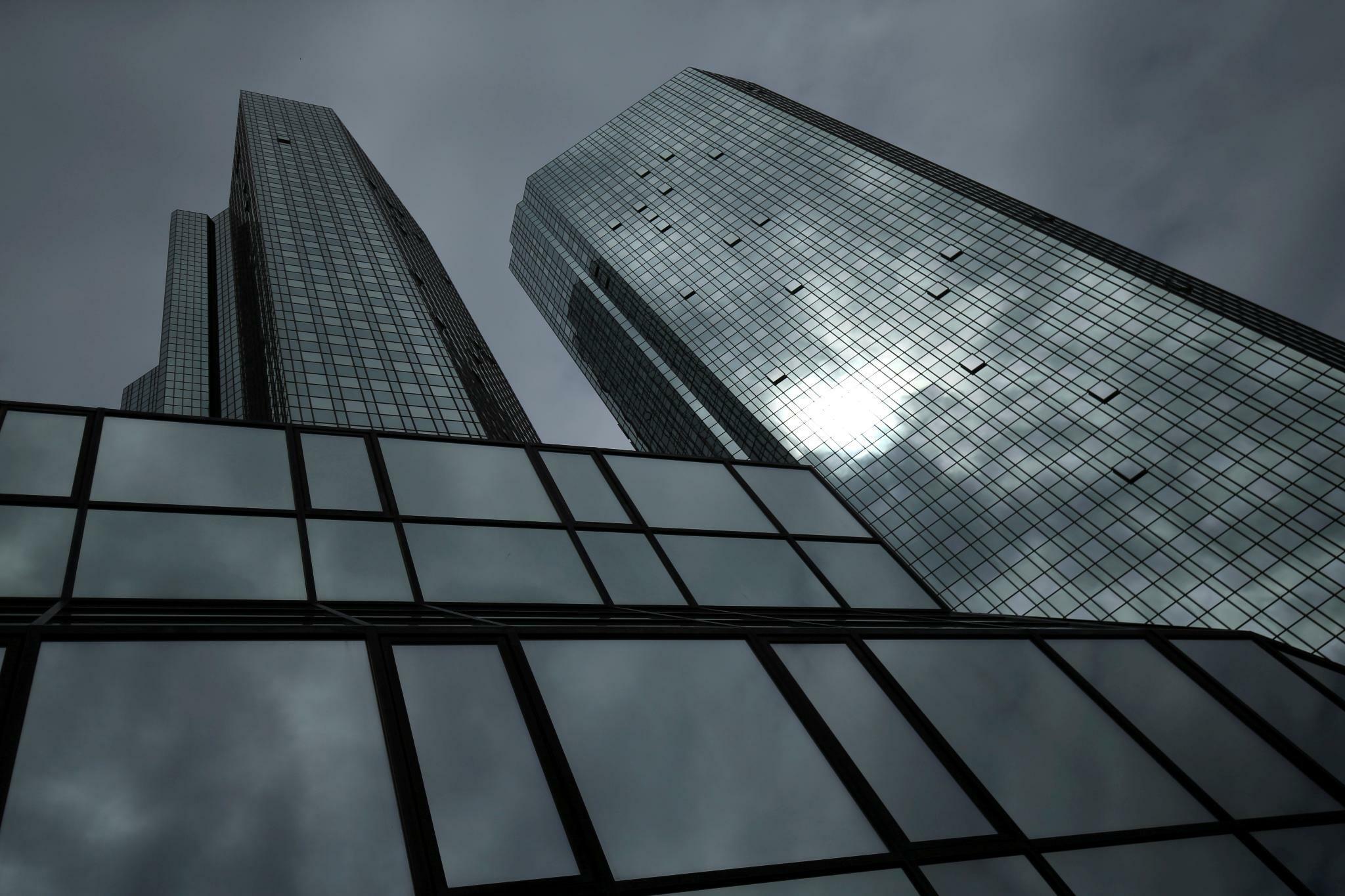Deutsche Bank senkt wohl Boni im Investmentbanking um 30 Prozent