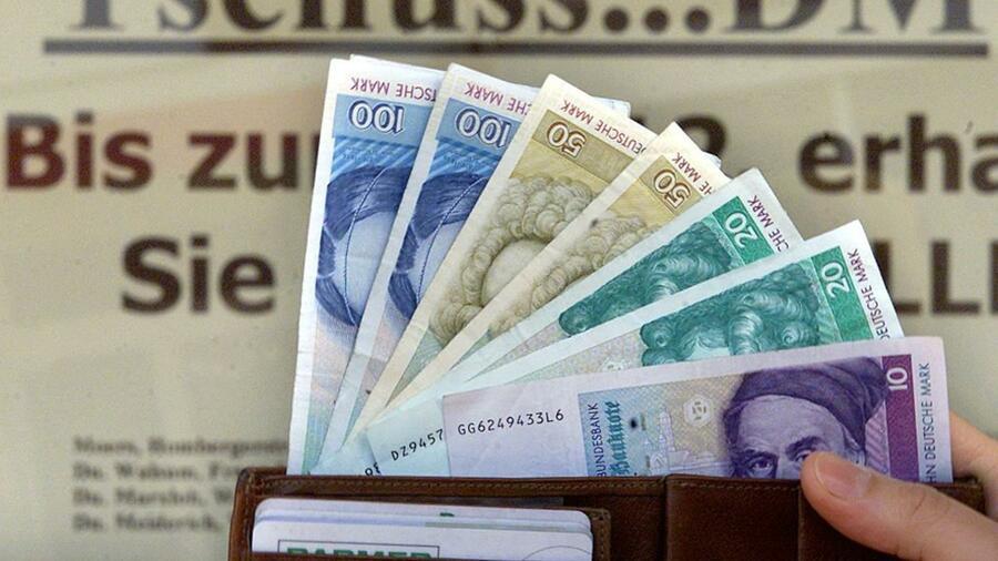 10 Jahre Euro Bargeld Totgesagte Leben Länger
