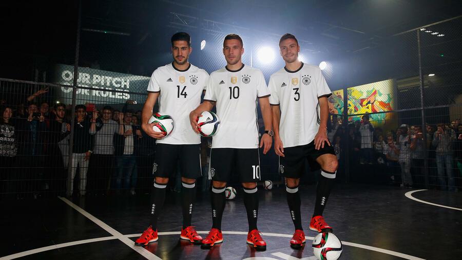 Fußball Nationalmannschaft: Neue Trikots für die EM in