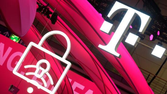 Deutsche Telekom hebt Prognose dank starken US-Geschäfts
