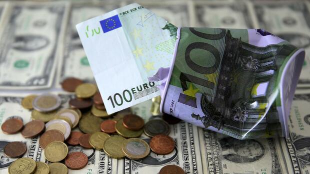 Euro/Dollar: Eurokurs kaum verändert – US-Daten im Blick