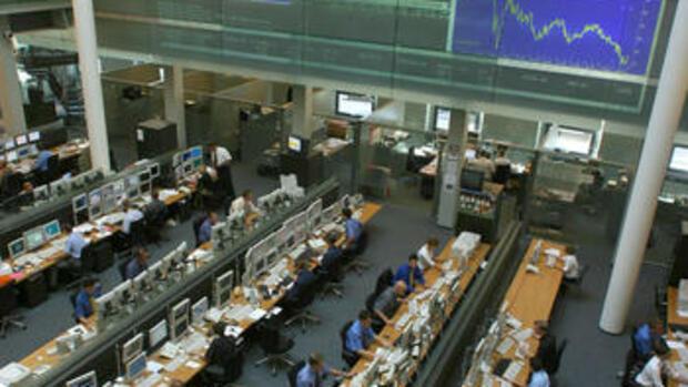 Indexfonds, Geldanlage, Anlagestrategie, Börse. Regionen Deutschland db x-tracker DAX ETF. Indexfonds sind eine Untergruppe von ETFs, da sie in der Regel ebenfalls über die.