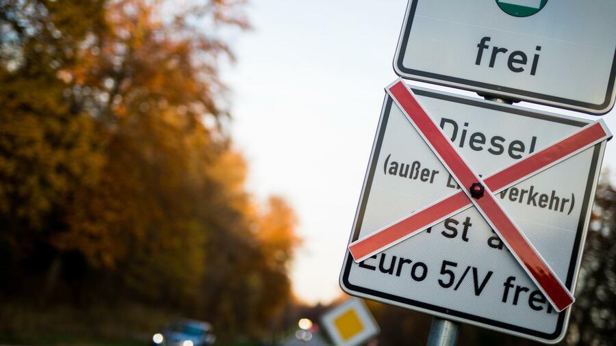 """""""Niemand versteht diese selbstzerstörerische Debatte"""" – Ruhrgebiet drohen weitere Dieselfahrverbote"""
