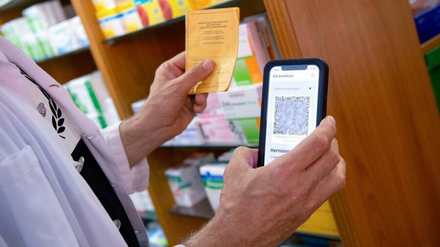 Digitaler Impfnachweis So Erhalten Geimpfte Ihr Eu Impfzertifikat