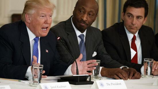 Merck-Chef beendet Beratertätigkeit für Trump wegen Charlottesville