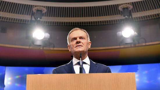 Kommission und Abgeordnete attackieren Tusk — EU-Asylpolitik