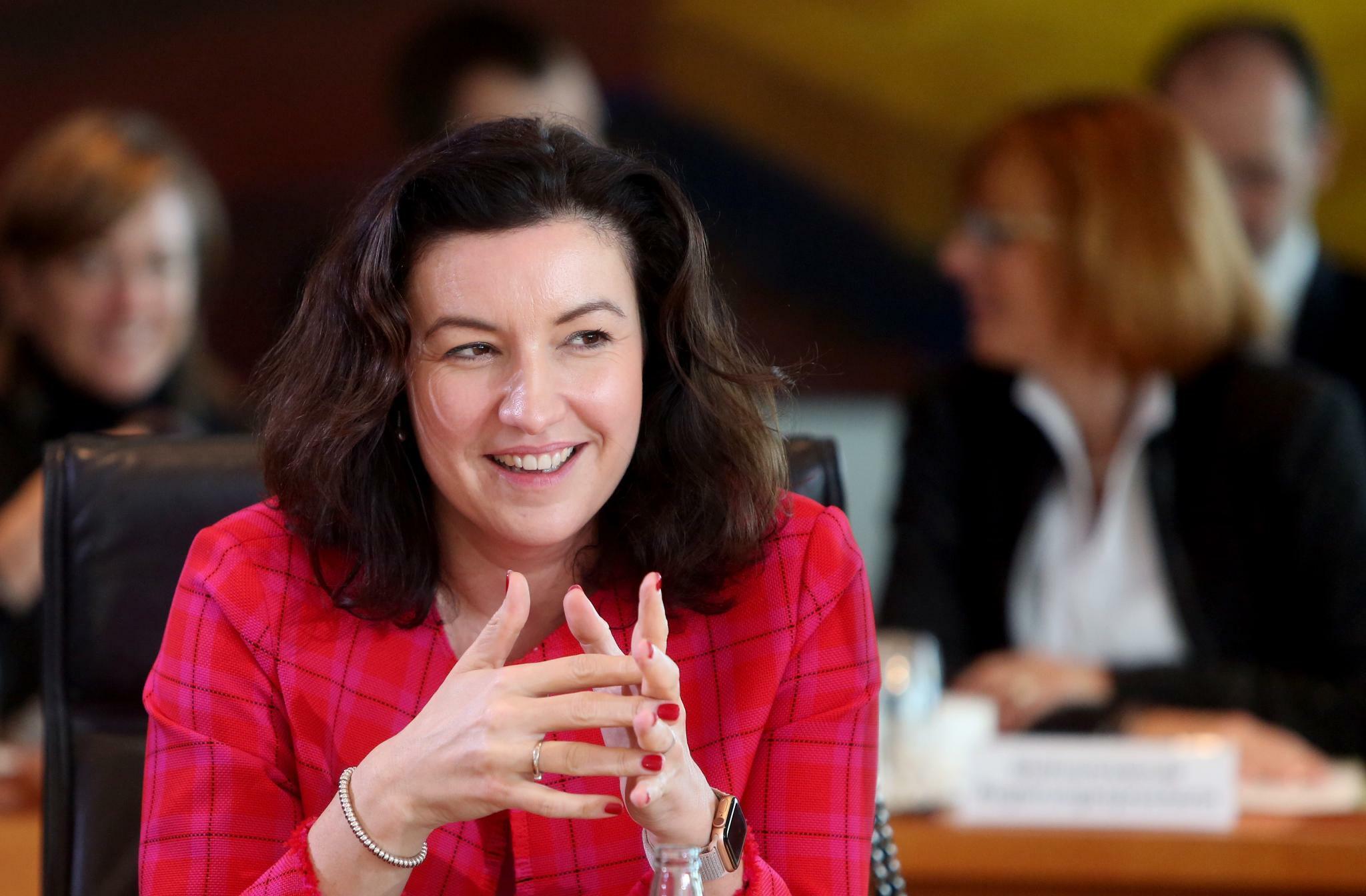 """CSU-Digitalministerin Bär kritisiert """"scheinheilige"""" Huawei-Debatte"""