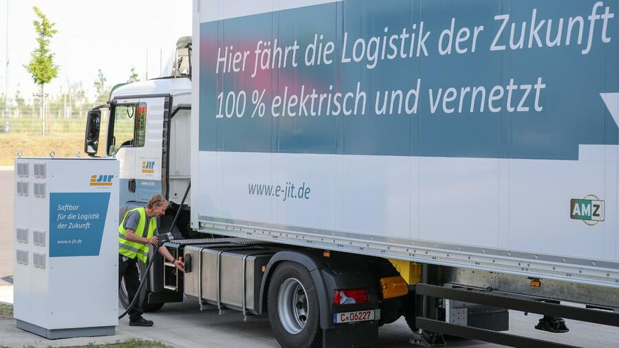 Lkw-Maut soll mit neuen Gebührensätzen mehr Geld einbringen