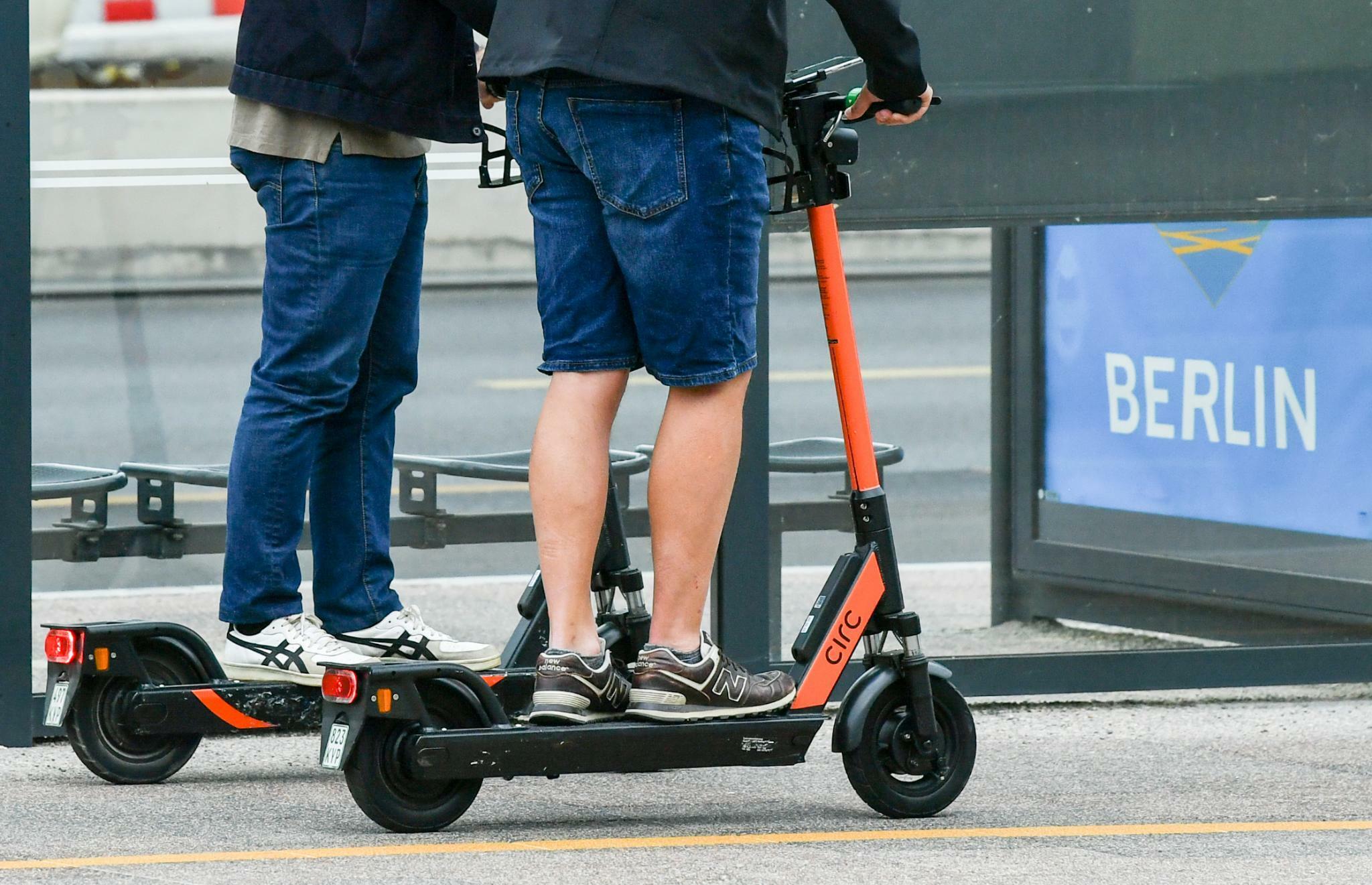 Städte reagieren auf Probleme mit E-Scootern