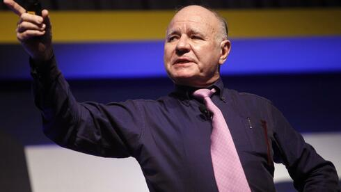 Investor Marc Faber in Aktion. Quelle: picture alliance / dpa