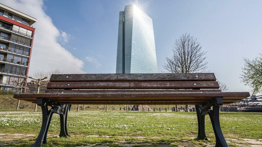 Eine Option laut Ökonom wäre, dass die Europäische Zentralbank Programme refinanziert. Quelle: dpa