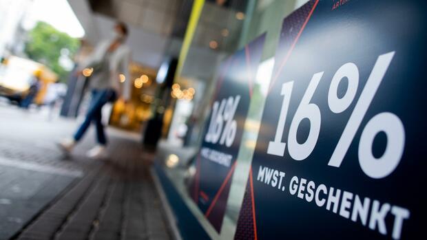"""Finanzpolitik: """"Fiskalisch teuer und nicht zielgenau"""" – Ökonomen und Verbraucherschützer fordern Ende der Mehrwertsteuer-Senkung"""