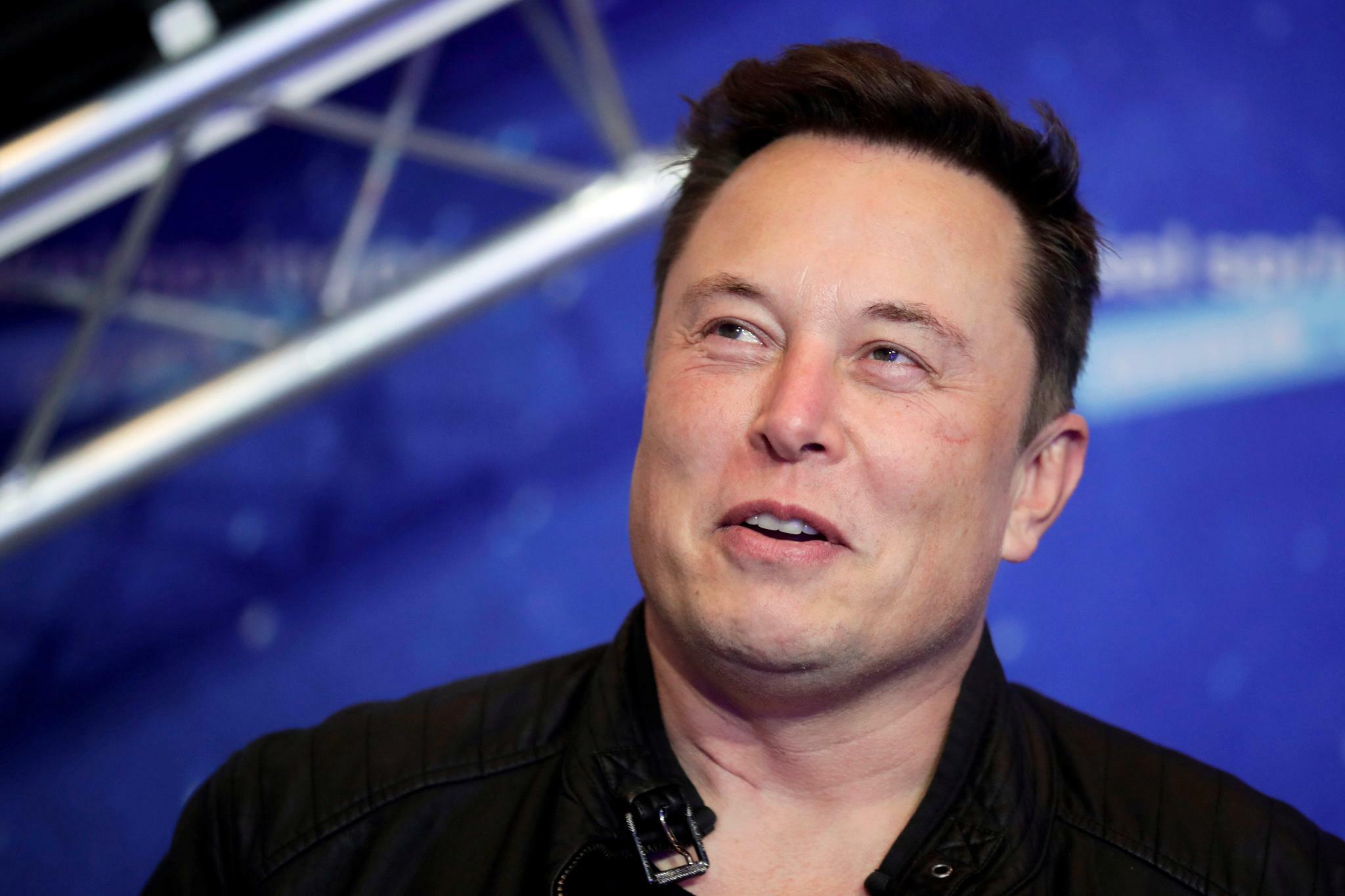 Musk diskutiert über Umwandlung des Firmenvermögens in Bitcoin