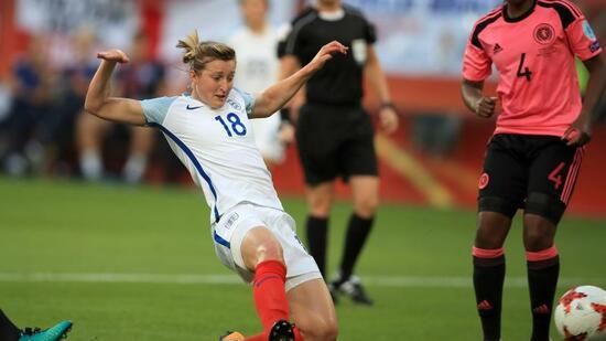 Frauen-EM: Mitfavorit England startet mit Kantersieg